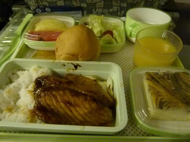 经济舱飞机餐分享~来看看哪一家航空最好吃呢?(图多)